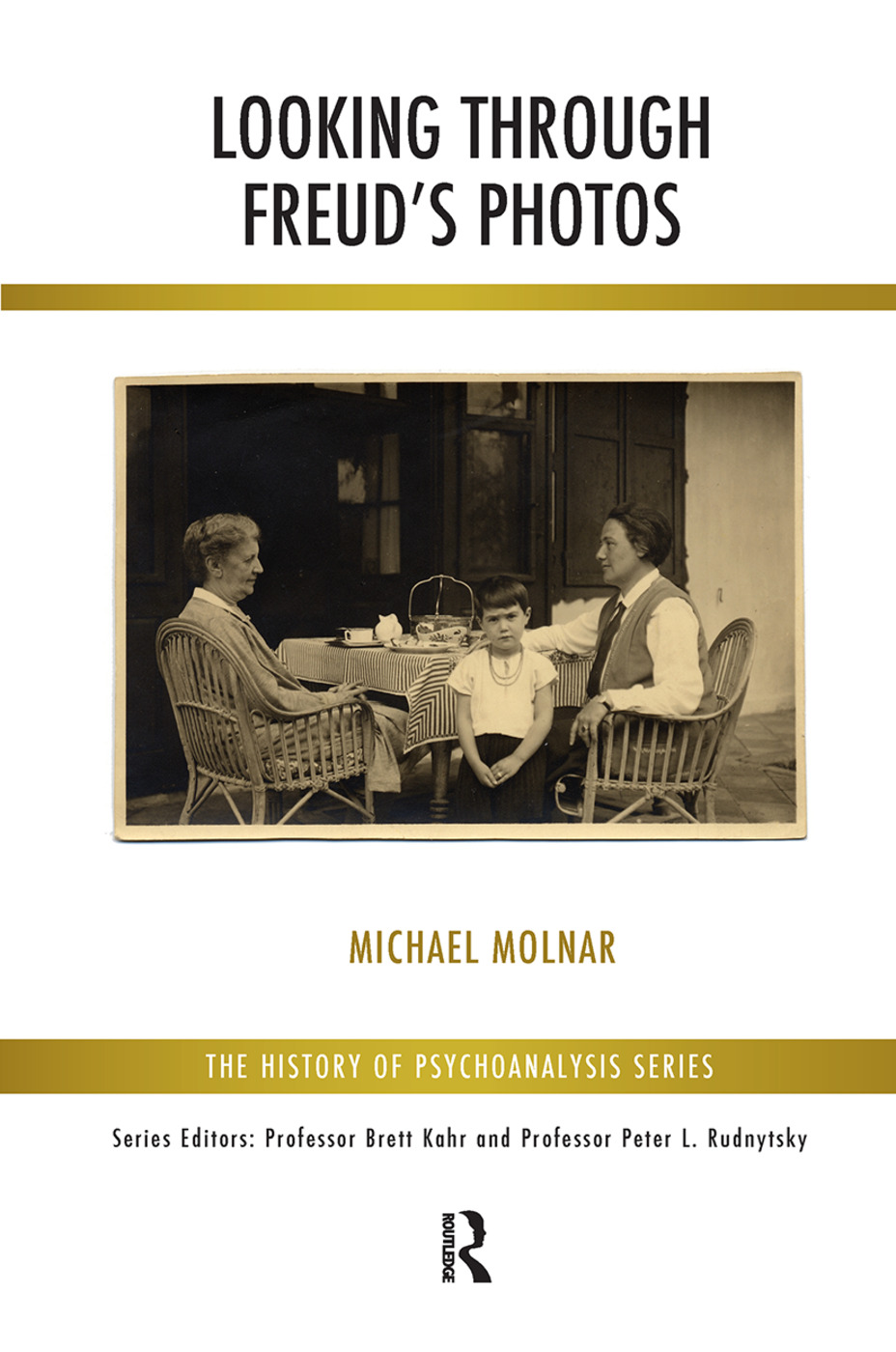 Looking Through Freud's Photos book cover