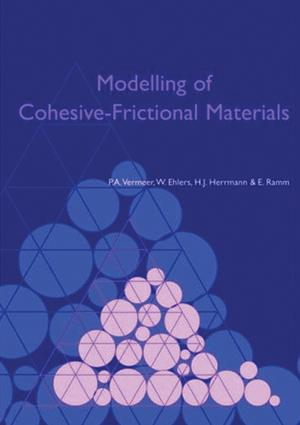Two-scale continuous-discontinuous modelling of damaging materials