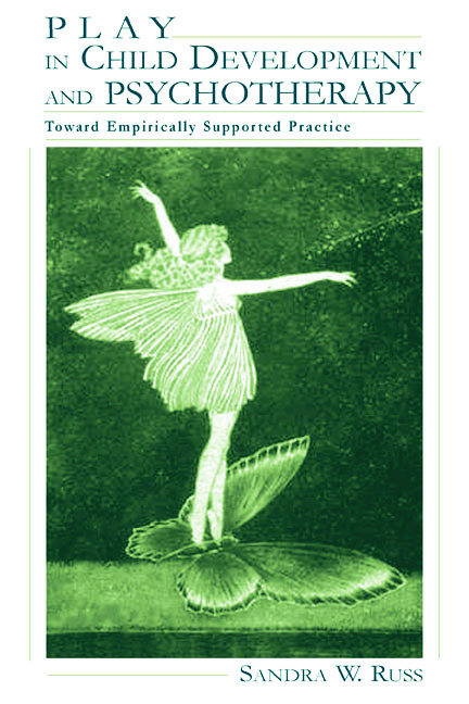Play in Child Development and Psychotherapy: Toward Empirically Supported Practice (Hardback) book cover