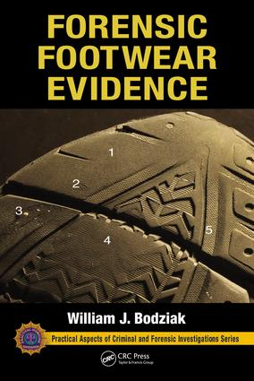 Forensic Footwear Evidence (Hardback) book cover